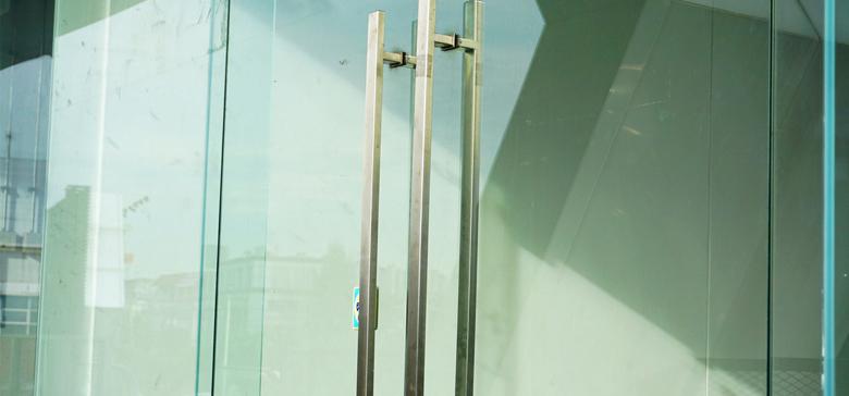 Wat zijn de voordelen van een glazen deur?